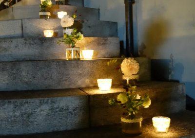 Die Party geht in der Sudhuusbar weiter - Blumen&Kerzen weisen den Weg