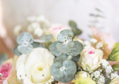 Der Brautstrauss mit Schleierkraut und Eukalyptus