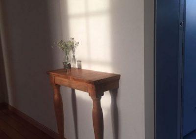 Aus einem Holzpult entsteht ein Bijoux für den Hausflur