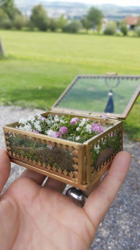 Florales Ringkästchen